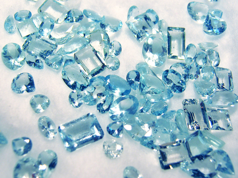faceted aquamarine gemstones, blue, clear,gems